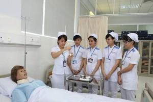 Tuyển điều dưỡng, hộ lý sang làm việc tại Nhật Bản